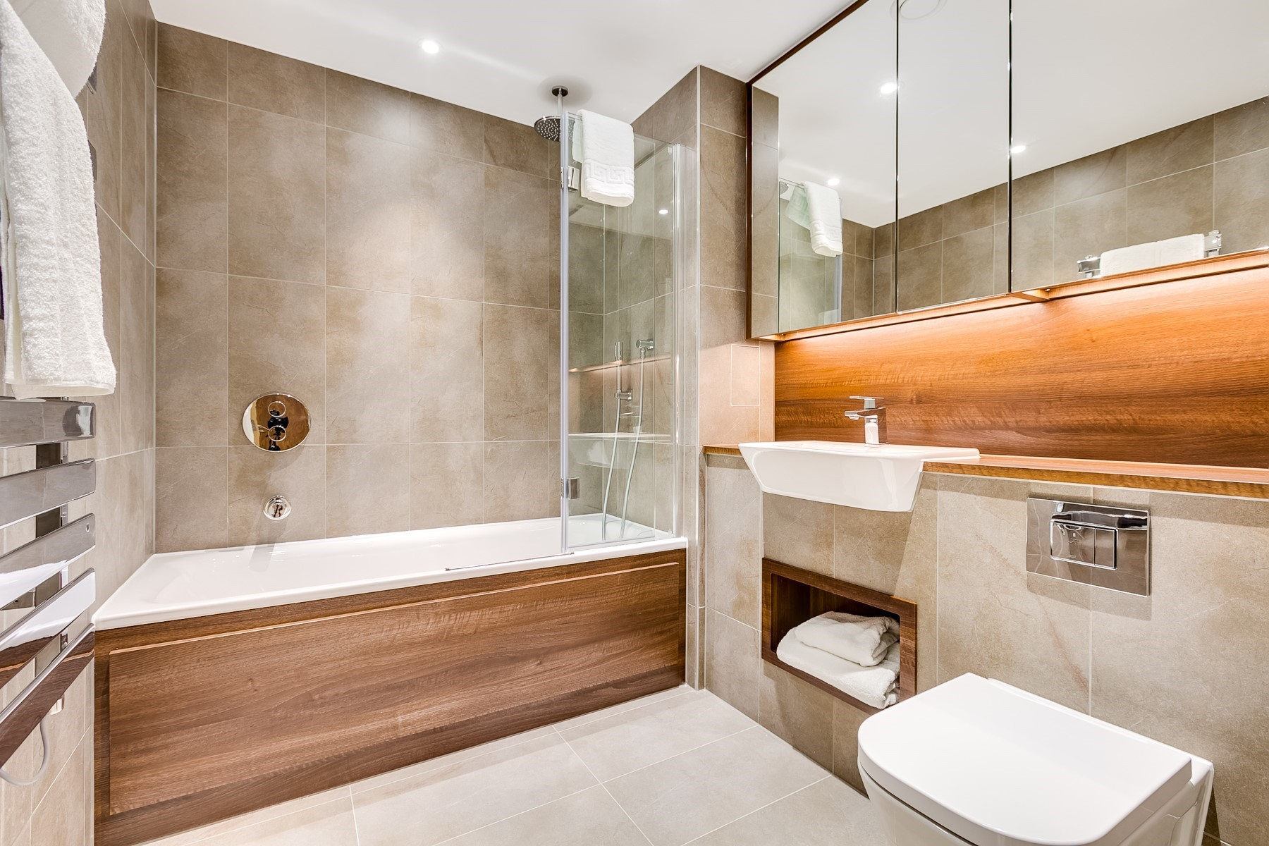 Main Bathroom, 3 Bedroom Apartment | Nine Elms Point | MyLo London